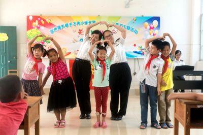 """邕州海关""""灯塔""""支教助学项目"""